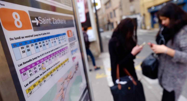 """Selon les usagers, """"les bus sont même plus à l'heure qu'avant"""""""