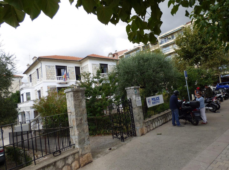 Les locaux de la police municipale vençoise sont, comme sept autres édifices communaux, alimentés par de l'électricité 100 % renouvelable.
