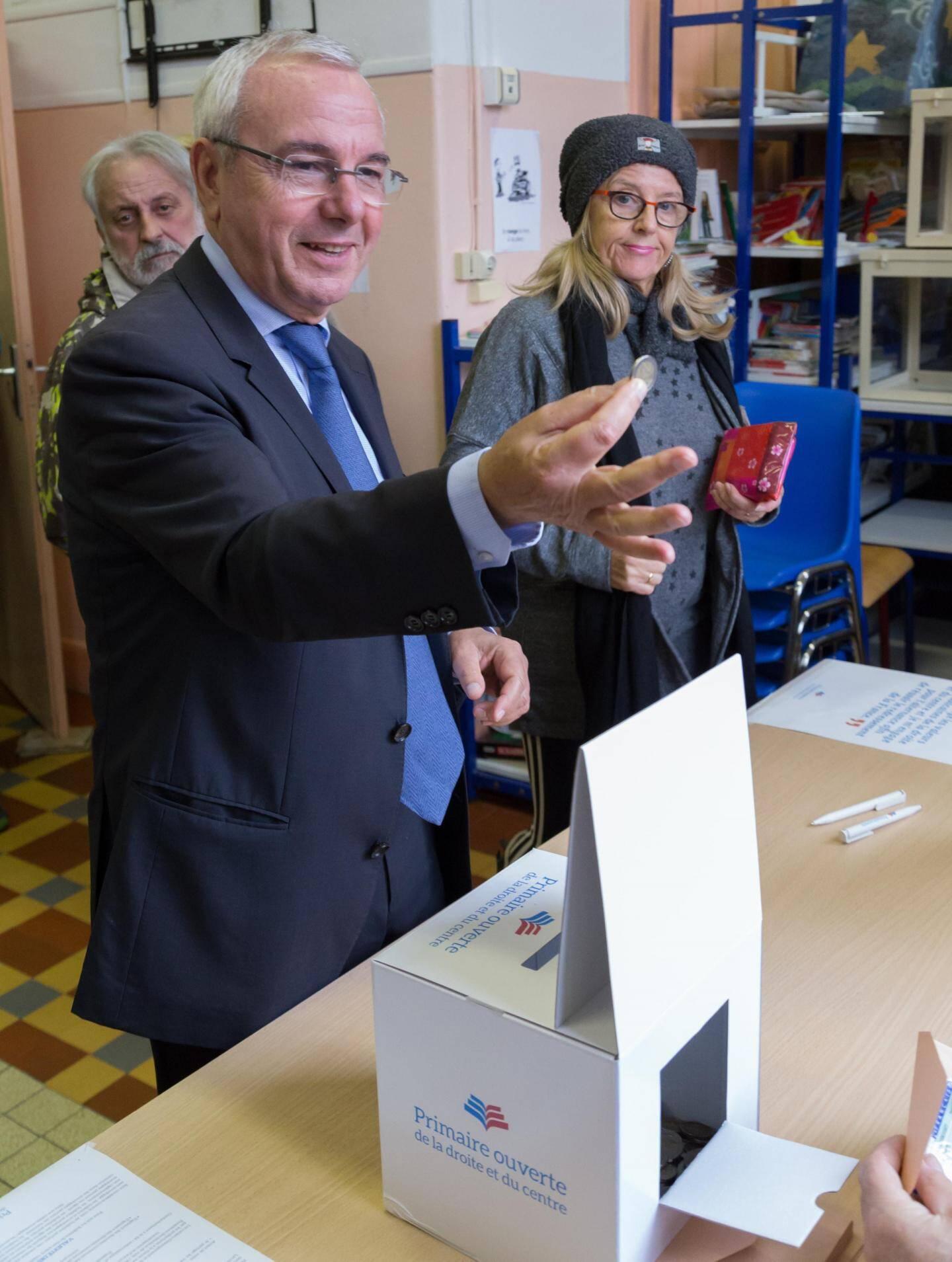 Jean Leonetti a voté à Antibes en fin de matinée