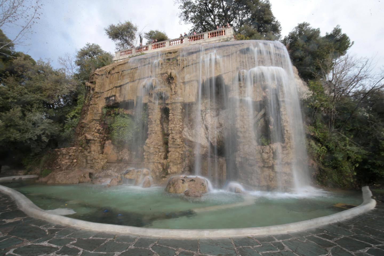 La cascade de la colline du château à Nice.