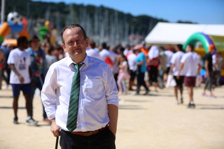 Christian Lequesne, 1er vice-président de la Société de protection de l'enfance, à l'initiative de la «Course des grands enfants».
