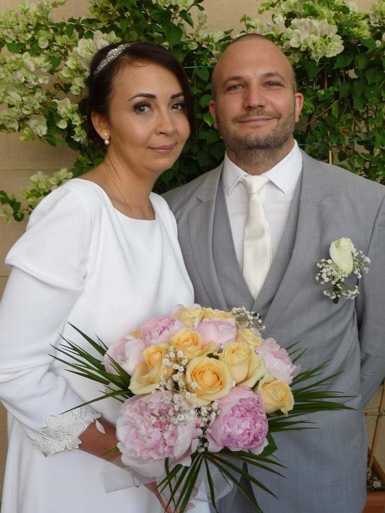 Alexandra Miguel, avocate, et Julien Coucoravas, comptable.