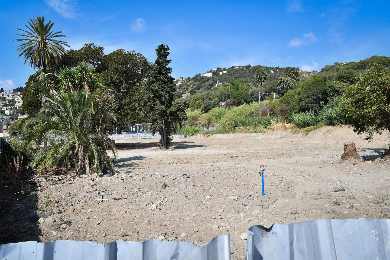 Pour l'heure, pas l'ombre d'un engin de chantier sur le terrain du futur hôtel de luxe.