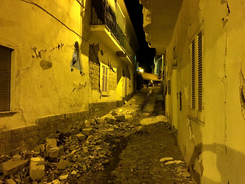 Les décombres dans les rues de l'île.