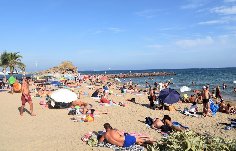 La plage de la Raguette à Mandelieu.
