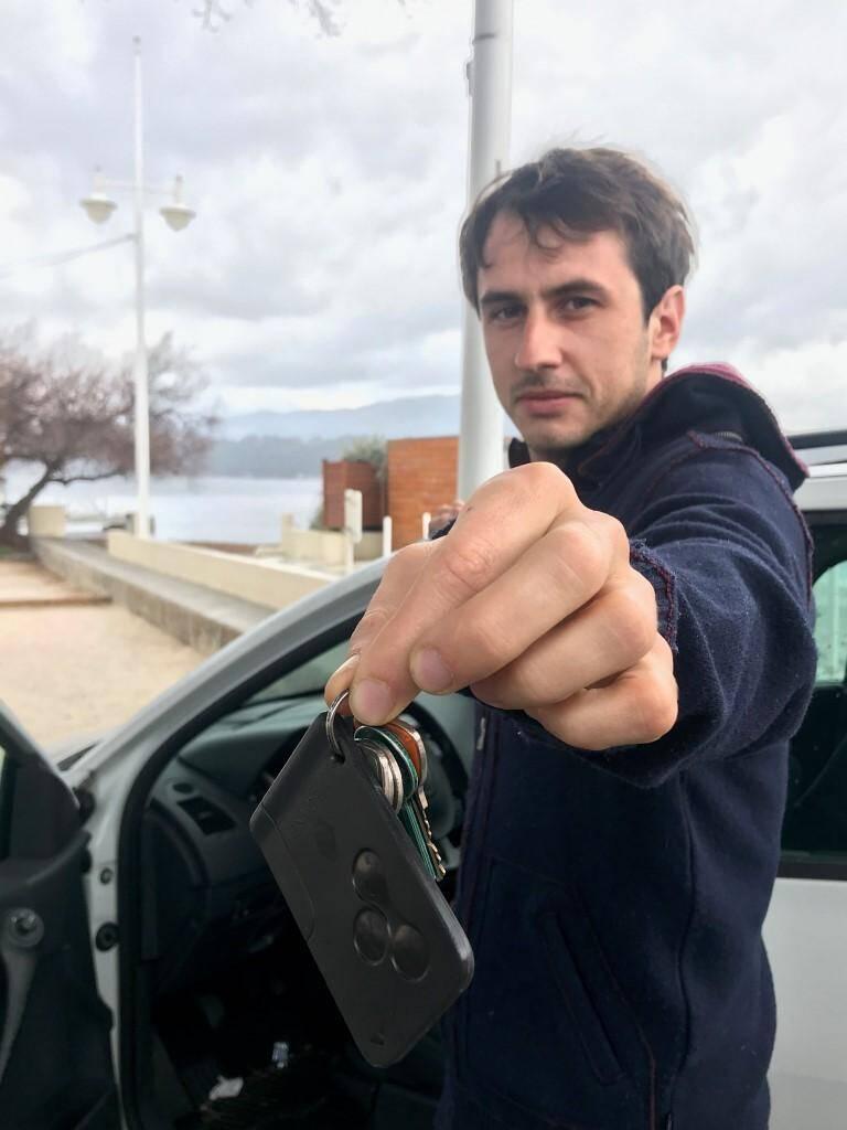 Propriétaire de deux voitures, Nicolas en a loué une tout l'été dernier.