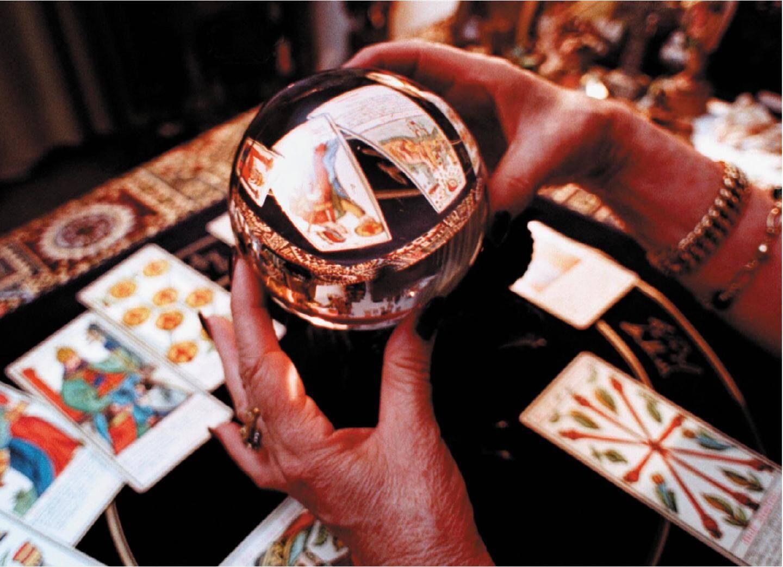 Numérologie, tarologie, conférences au menu de ce 4e Salon du bien-être et des arts divinatoires