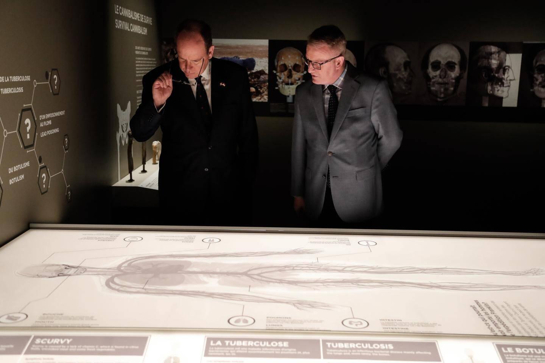 Au musée canadien de l'Histoire, à Ottawa, le souverain a visité une exposition consacrée à la tragique expédition de John Franklin en 1845.