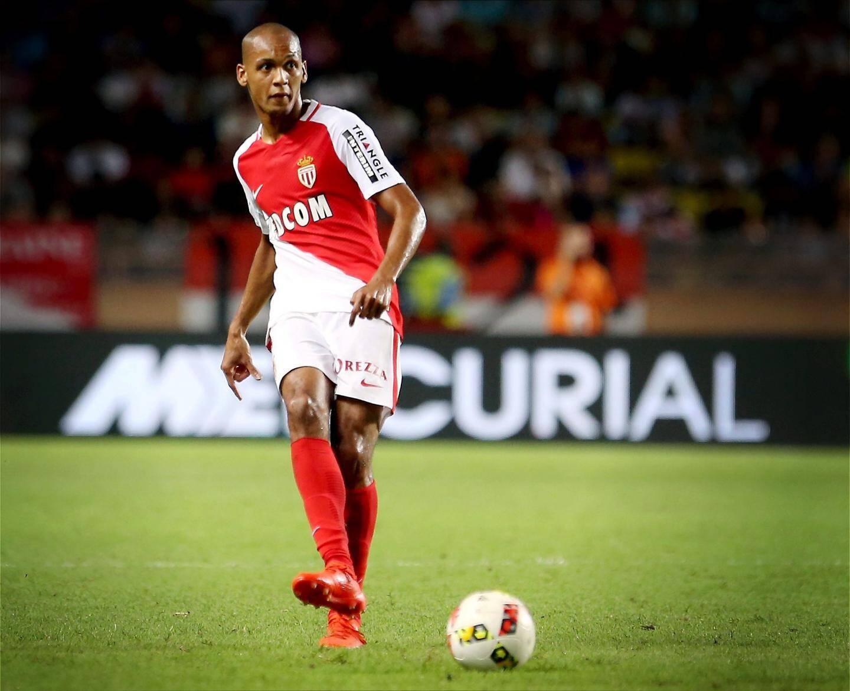Fabinho a signé à Liverpool.