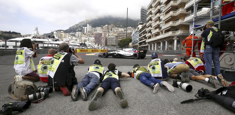 24 mai : les places sont chères à l'entrée de la Chicane du port au Grand Prix de Monaco.