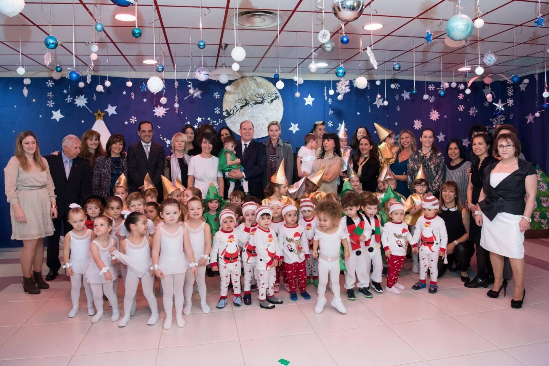 Fées, danseuses étoiles ou encore petits sapins de Noël, les petits ont présenté leur spectacle intitulé «Nuit de Noël étoilée à Monaco».