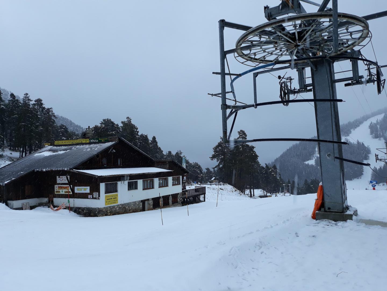 Même La Colmiane, nichée à seulement 1 500 mètres d'altitude, a été recouverte d'un manteau blanc.