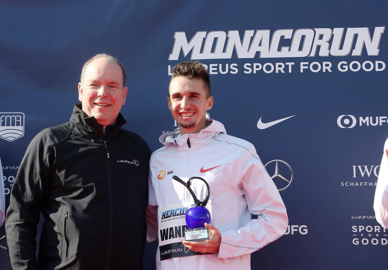 Record du monde pour l'athlète franco-suisse, Julien Wanders, en catégorie Elites hommes, qui a couru en 13 minutes et 29 secondes les 5 kilomètres de la Monaco Run.