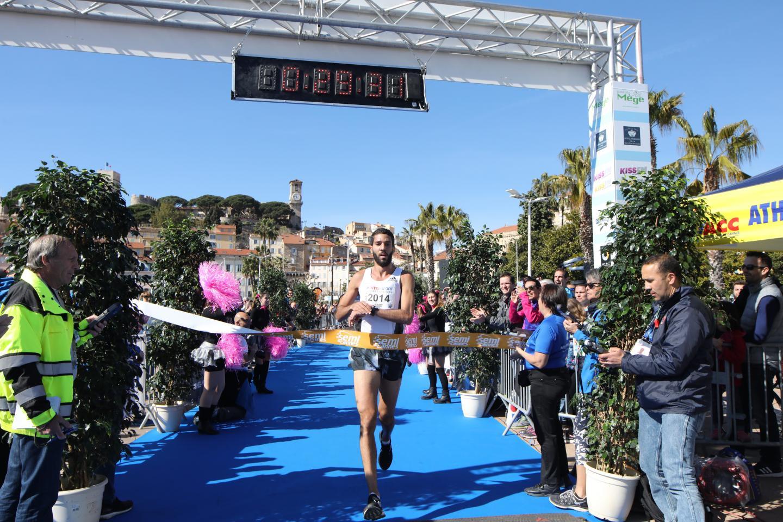 Mekhissi Benabbad Mahiedine, arrivé premier du 10 km en seulement 29,31 minutes.