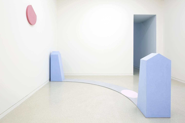 Les œuvres minimalistes jalonnent un parcours pensé par l'artiste.