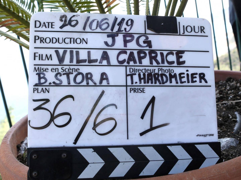 Le fil Villa Caprice sortira fin 2019-début 2020.