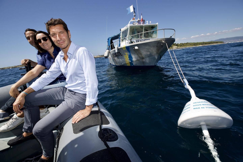 Le maire de Cannes David Lisnard a inauguré ces nouvelles bouées
