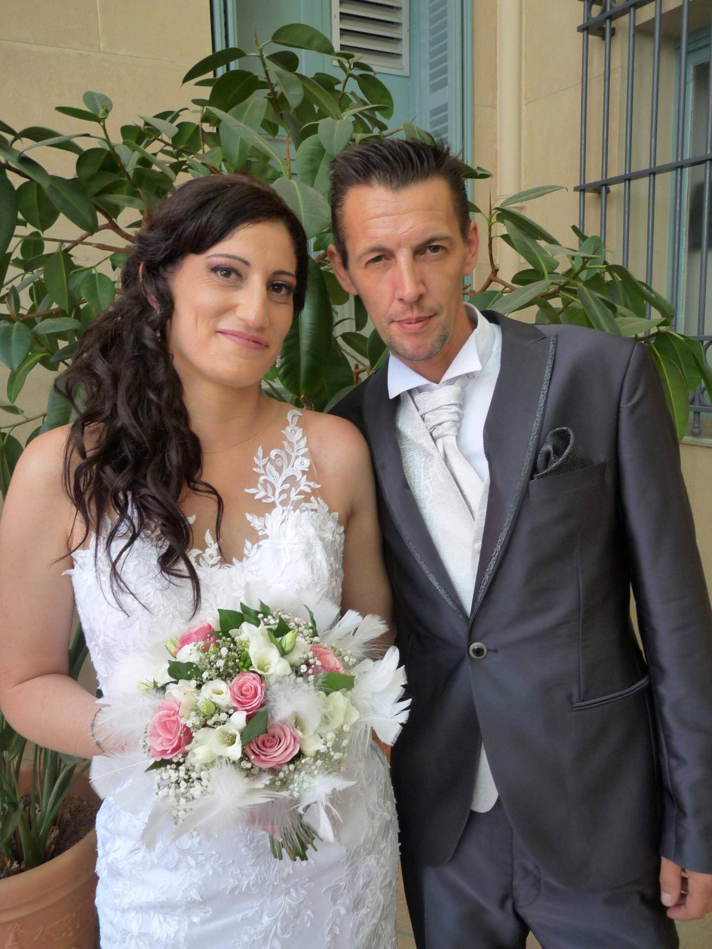 Audrey Benestang, aide-soignante, et Ludovic Sobol, chauffeur-livreur.