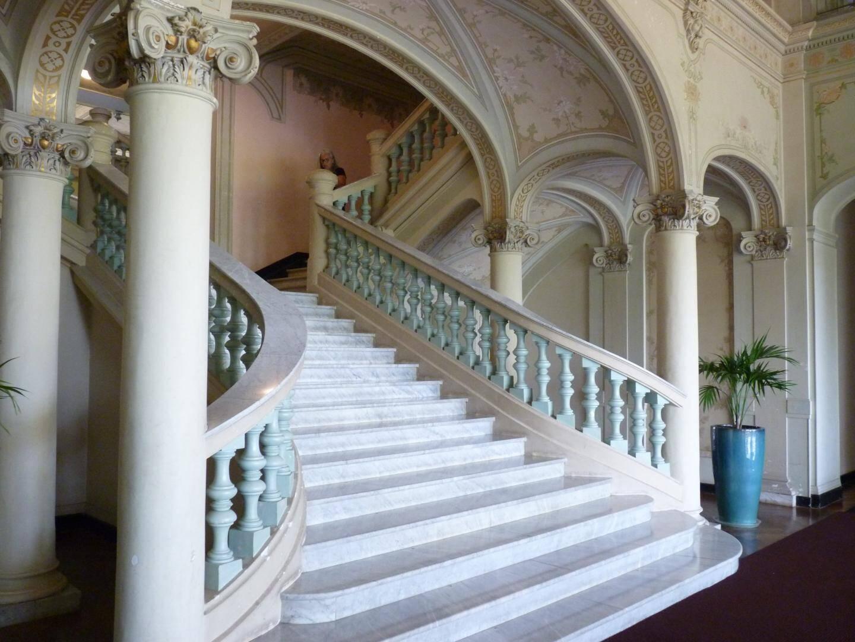 Les escaliers monumentaux du Riviera Palace de Menton