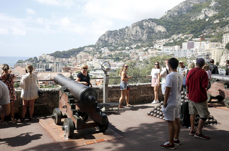 Aujourd'hui, les touristes et les immeubles sont beaucoup plus nombreux.
