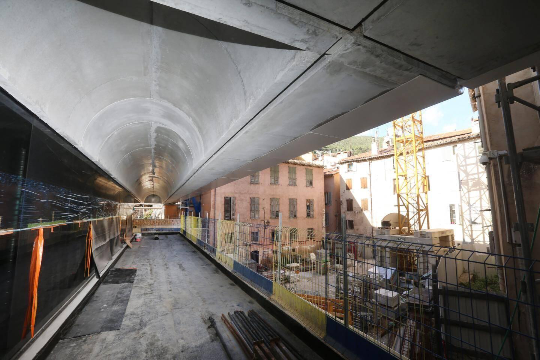 Le demi-étage du niveau -1 sera réservé au personnel.