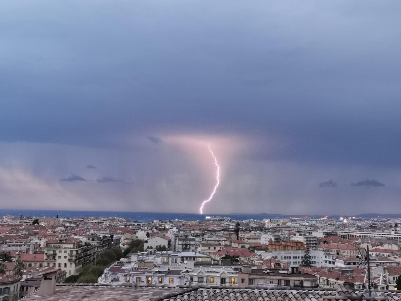 La foudre à Nice, ce mercredi 23 octobre.