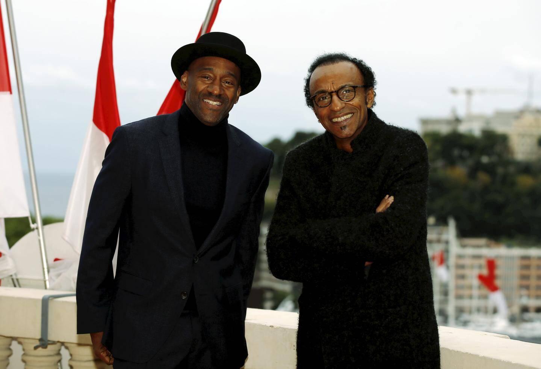 Le bassiste et le batteur ont été faits chevaliers dans l'Ordre du Mérite culturel.