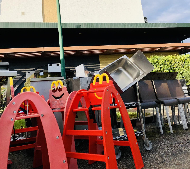 Les locaux du fast food ont été durement touchés par les inondations.