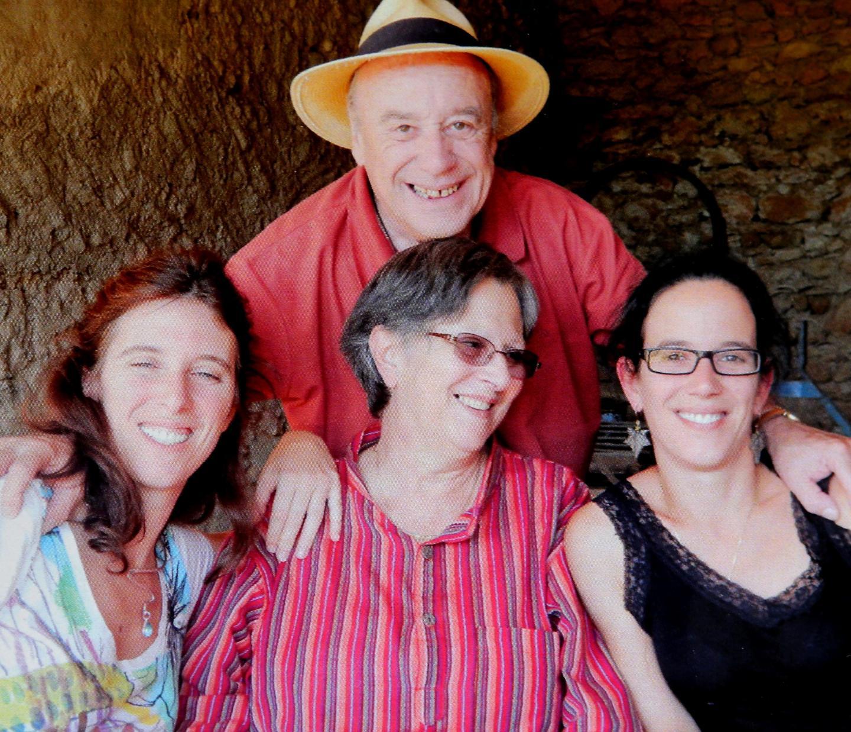 Rémi Lallier et les trois femmes de sa vie en 2015. De gauche à droite :  Christine, Lucette et Anne. Les petites mains de l'entreprise familiale.