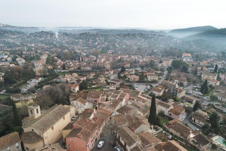 Une vue aérienne de Peymeinade.
