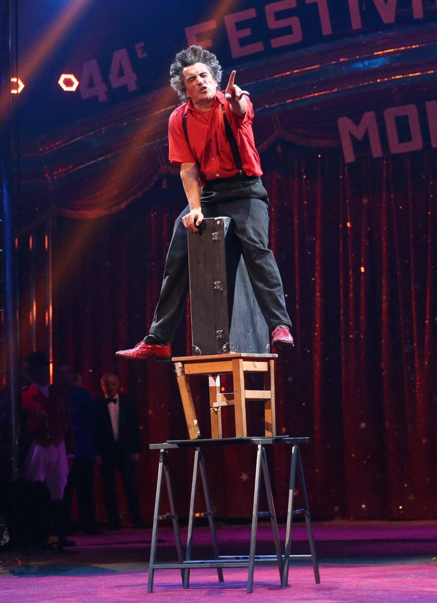 Pas de cirque sans clown! Jeudi soir, c'est Elastic Comedie qui a donné le ton et est venu pas moins de trois fois en piste. Décoiffant!