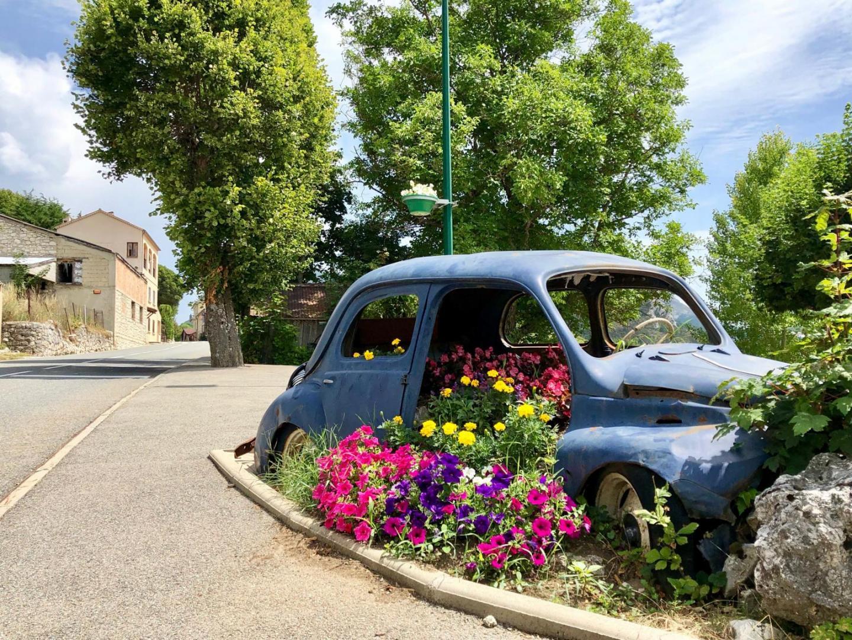Séranon est à seulement 40 kilomètres de Grasse.