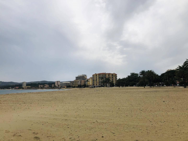 La plage du Lavandou, encore interdite d'accès le 14 mai