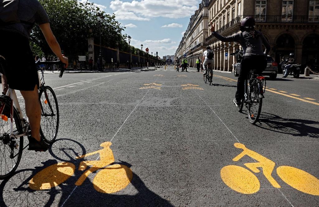 La rue de Rivoli à Paris, désormais réservée aux vélos, le 19 mai 2020