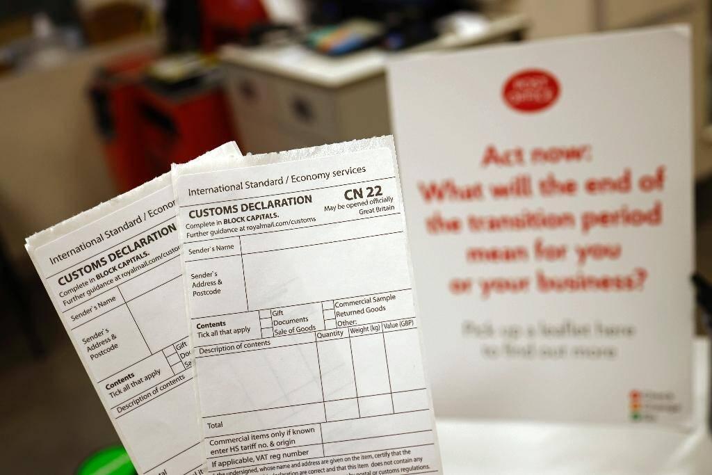 """Formulaires de douane """"CN 22"""" à Londres le 29 décembre 2020"""