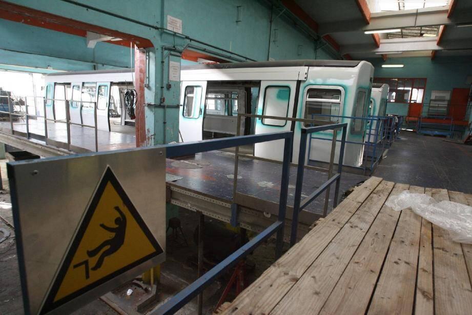 Ateliers silencieux et parfois vides...Les salariés d'AnsaldoBreda attendent leur heure.( Photo A.B.-J.)