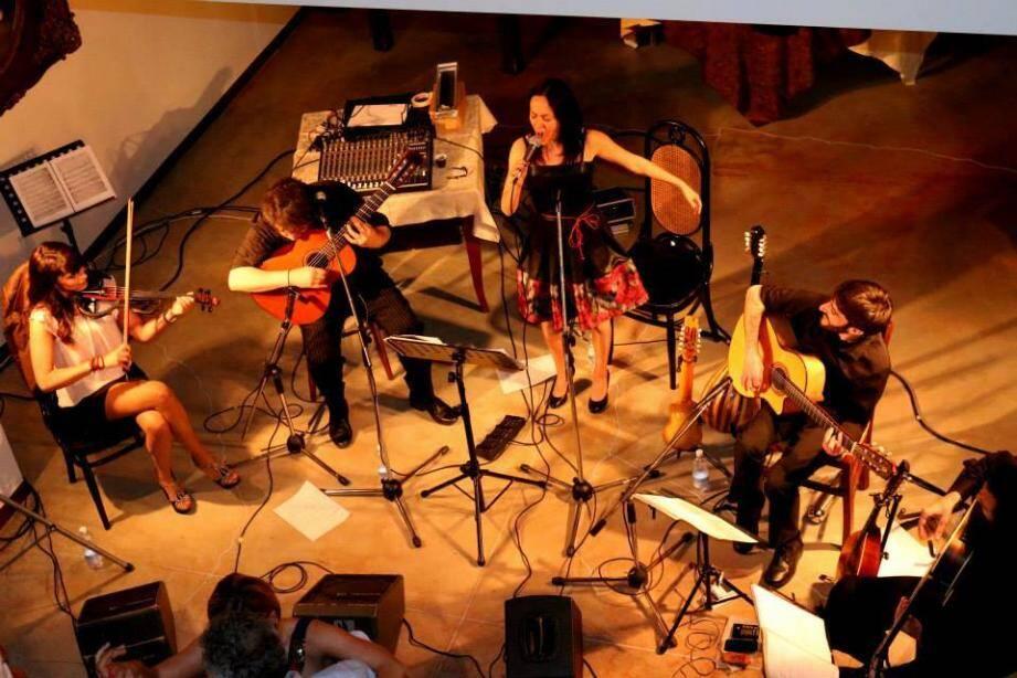 L'orchestre Mamagré (à gauche) animera la première soirée, consacrée au tango, vendredi soir. Gilles Vicrobeck (à droite), sera également présent à la milonga de vendredi soir.
