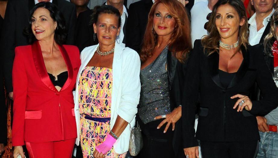 Quatuor de faiseuses de tubes, autour de la princesse Stéphanie : Lio, Julie Pietri et Sabrina.