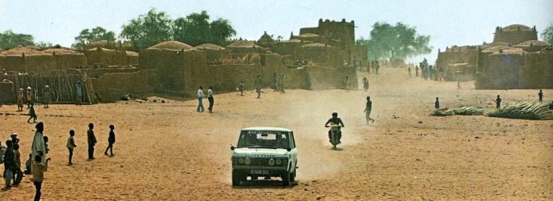 """Juste avant le Dakar, il y avait le """"Côte-Côte"""" entre Abidjan et Nice. (ici, la seconde édition en 1977)."""