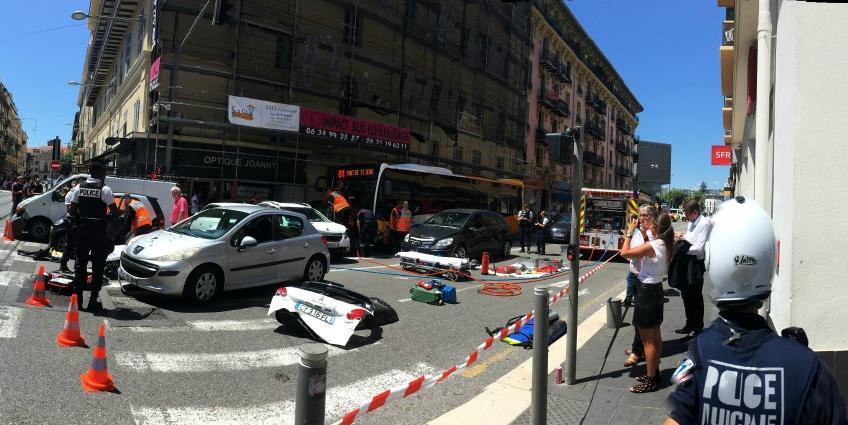 Le carambolage a impliqué une dizaine de véhicules et fait 14 blessés.
