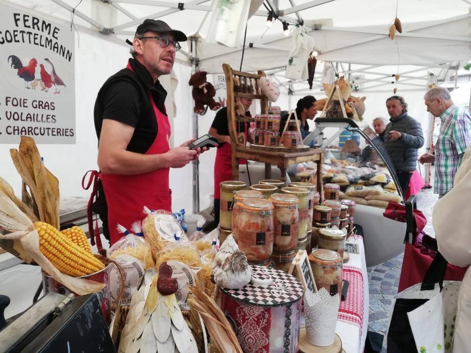 Se rendre à la fête alsacienne qui se déroule jusqu'à ce soir est une promesse de repartir les bras chargés de plats gastronomiques et vins de qualités.