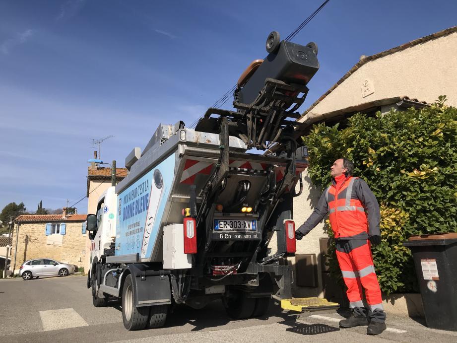 Une fois par semaine, les bio-déchets sont collectés puis envoyés dans un centre de valorisation à Saint-Raphaël.
