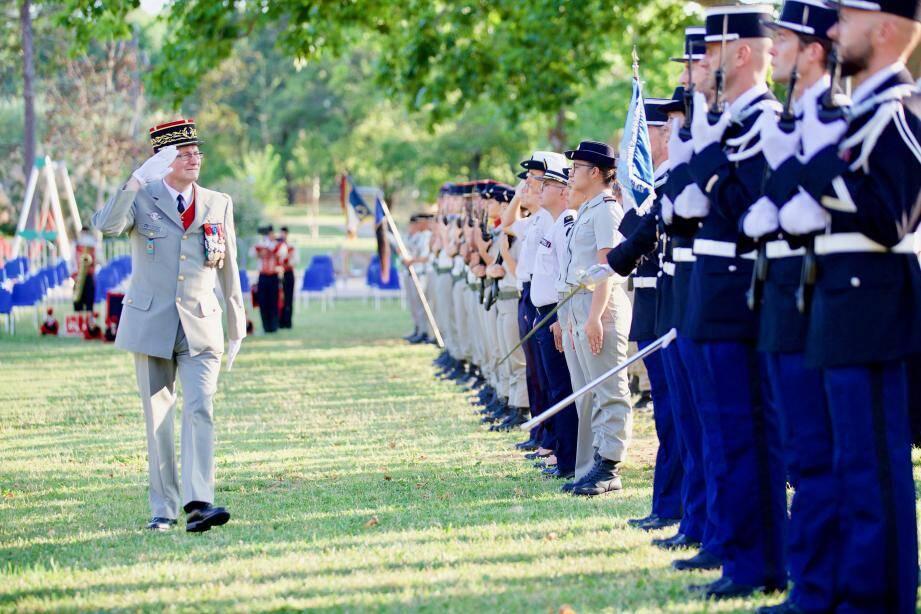 L'armée s'est repliée au parc Haussmann...