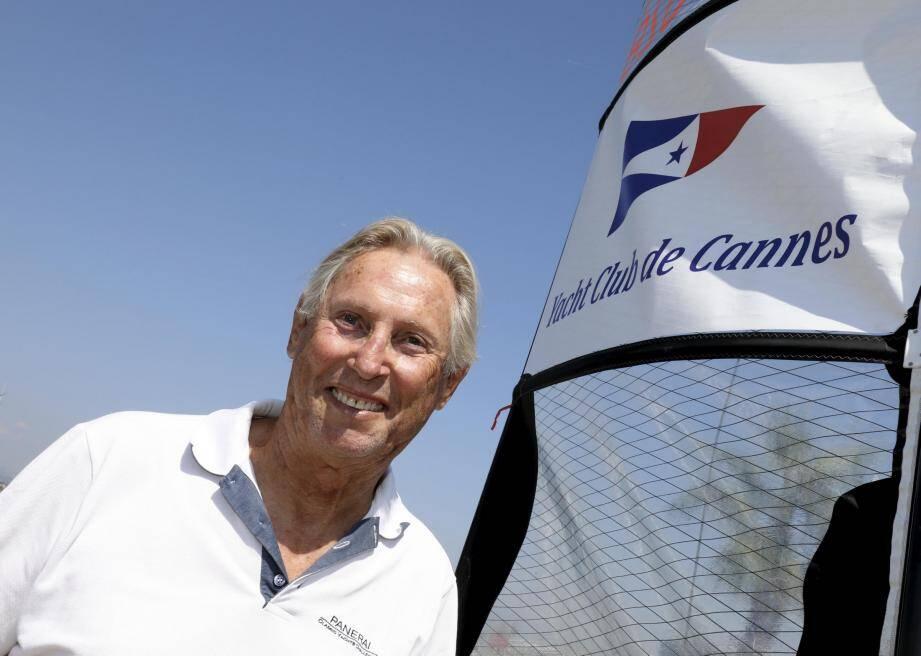 Jean-Pierre Gailes annonce la tenue de la 42e édition des Régates Royales « avec moins de big boats, mais davantage de bateaux de tailles moyennes ».