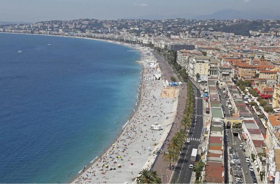 Vue sur Nice et la Promenade des Anglais