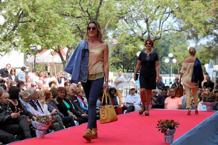 Le défilé de mode des commerçants fait partie du paysage Cagnois depuis près de vingt ans.