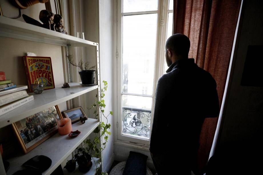 Isolement, enfermement, addictions, anxiété, phobie… Le confinement a des conséquences néfastes sur la santé mentale de certains Français.