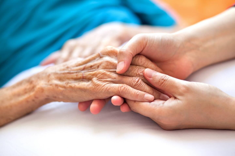 Cette pratique vise à garantir à tout patient âgé atteint de cancer, un traitement adapté à son état, grâce à une approche multidisciplinaire et multiprofessionnelle.