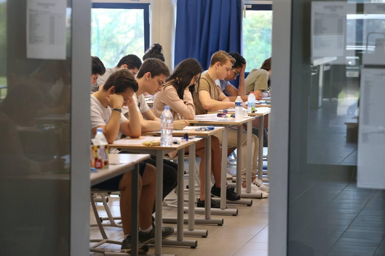 Des lycéens devant une épreuve du baccalauréat (illustration).