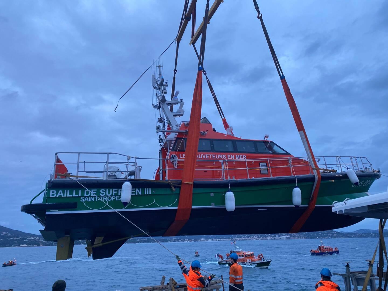 Le bateau suréquipé va permettre aux sauveteurs de réaliser les secours en mer.
